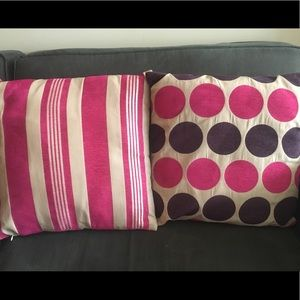 Accents - Magenta / Beige Pillow Cushions